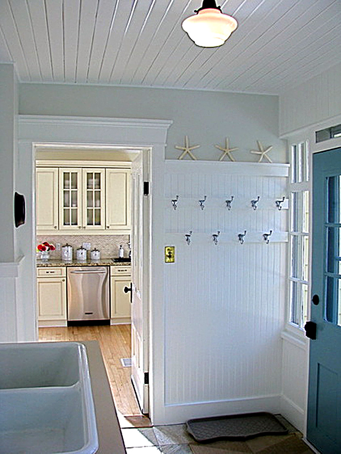 the-handsome-mud-room-8