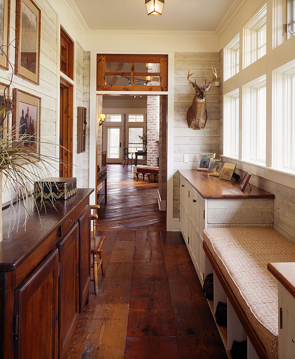 the-handsome-mud-room-9