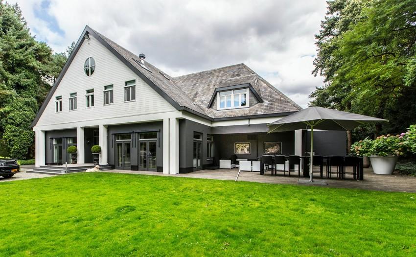 Классический загородный дом с гламурным интерьером
