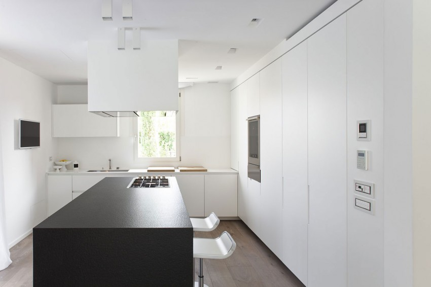 Красивые апартаменты большого дома в скандинавском стиле