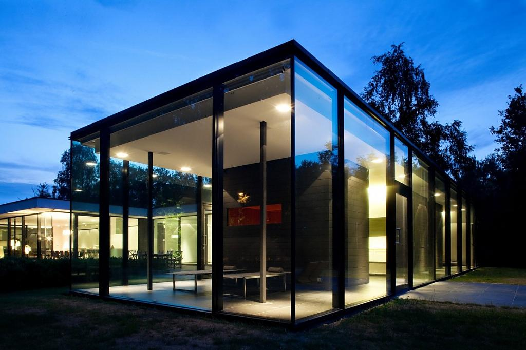 красивые фасады частных домов фото из стекла пальцах женских
