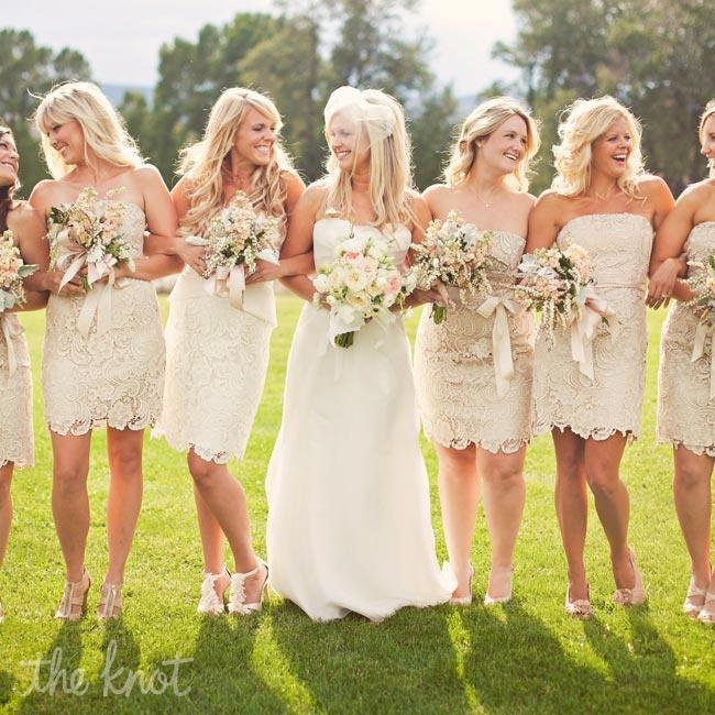 Нежные и романтические варианты платьев