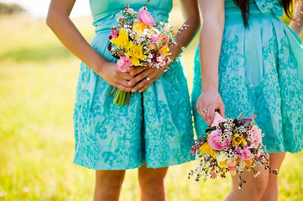 Короткие летние платья в бирюзовом кружеве