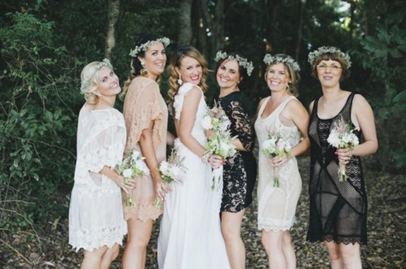 Нежные и романтические модели для свадьбы в лесу