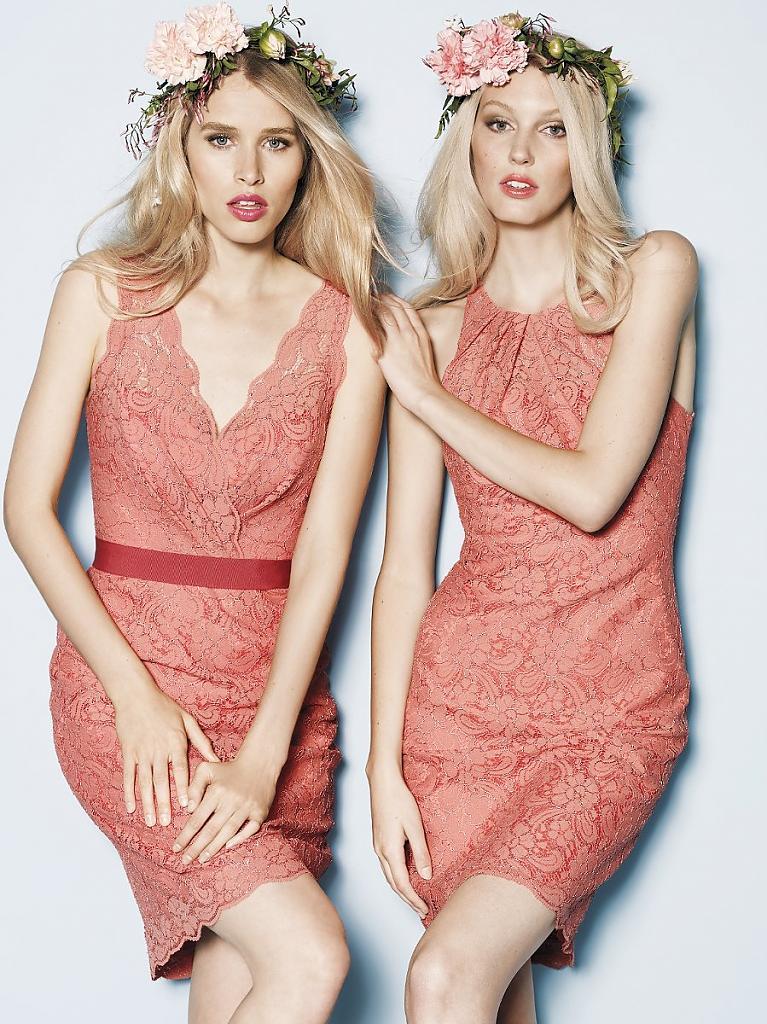 Нежные персиковые варианты для подружек блондинок