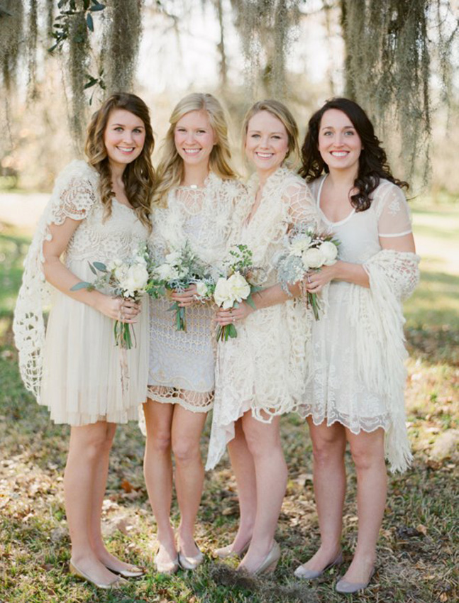 Романтичные кружевные платья подружек невесты