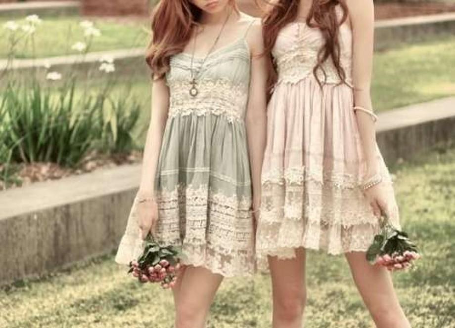 Легкие летние платьица с кружевными оборками
