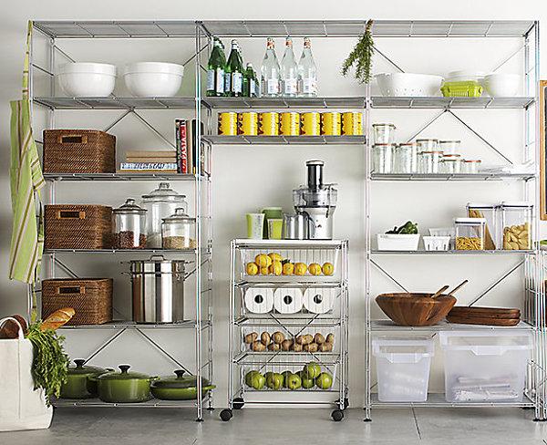 стеллаж для посуды в кладовой