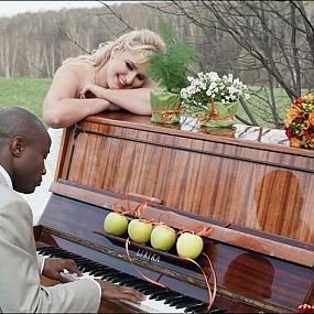 Реквизит для свадебной фотосессии - музыкальные инструменты - Фото-Град