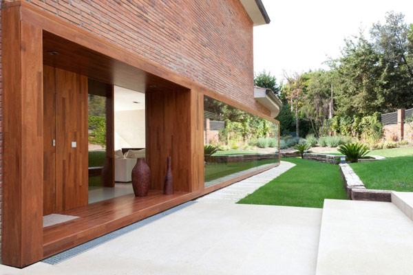 Интерьер испанского дома House Rehabilitati от YLAB Arquitectos