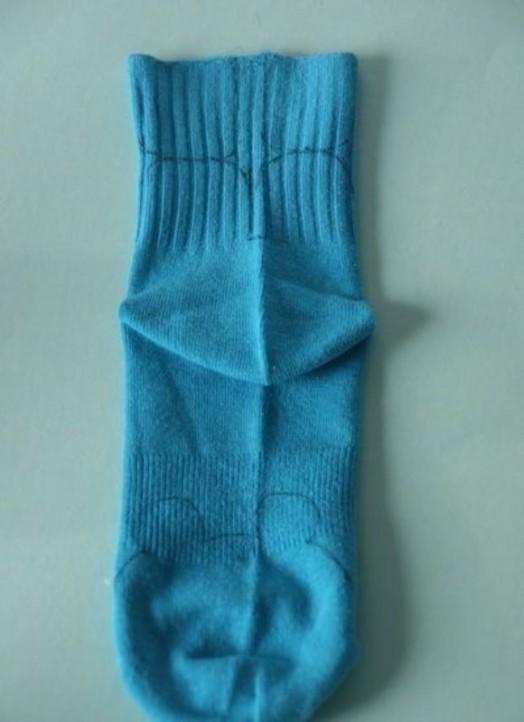 Что можно сделать из старых носок своими руками
