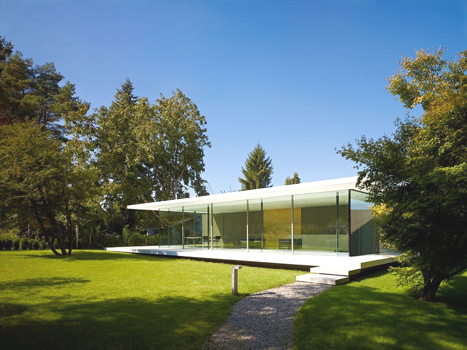 Красивые стеклянные дома: прозрачный Haus D10 от немецких архитекторов