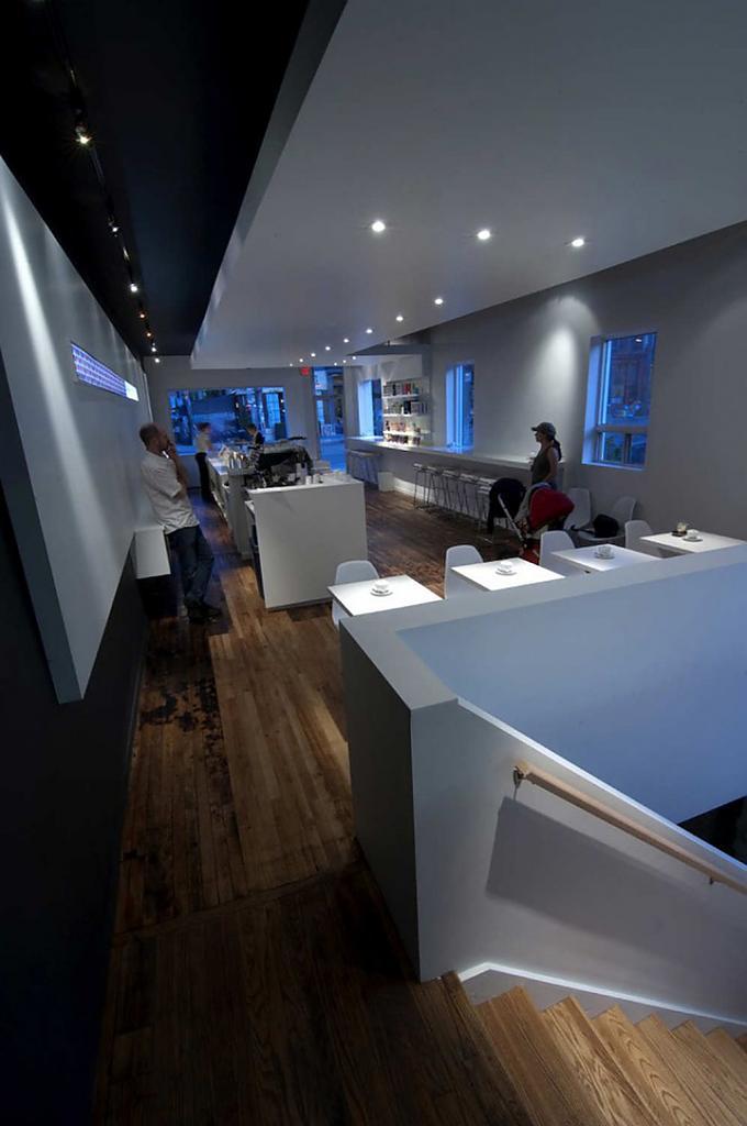 Кафе кондитерская в классическом стиле в  Торонто, Канада