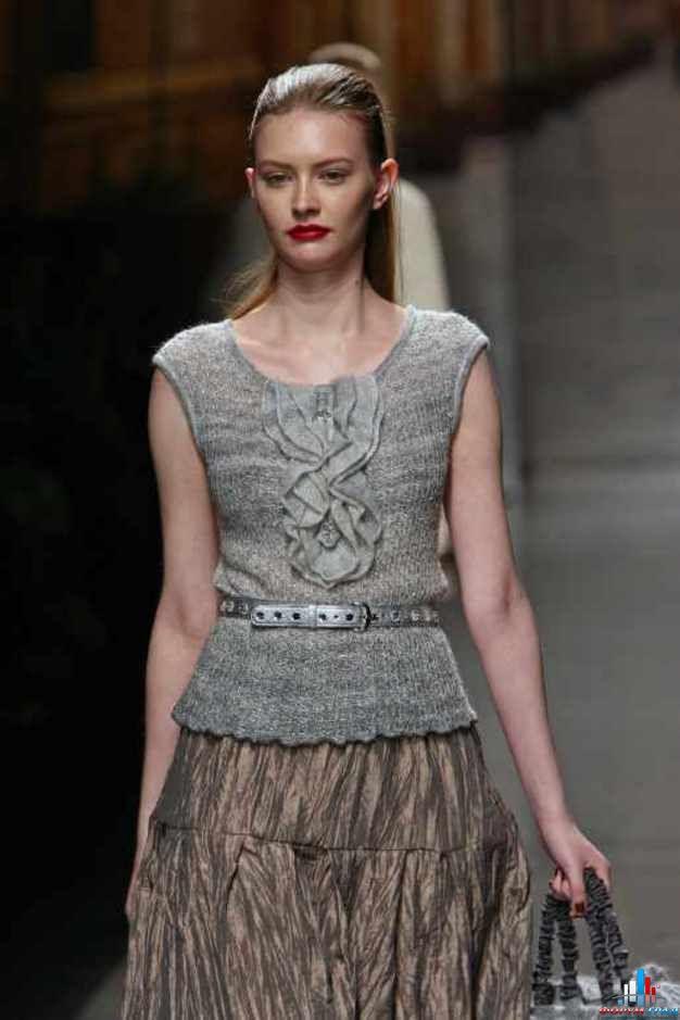 Стильное вязаное платье от Шанель. Вязание