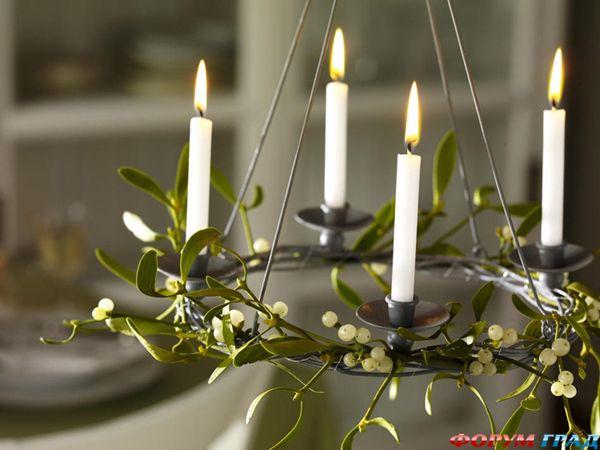 Новогодние украшения на люстру и подвески для праздничного стола.