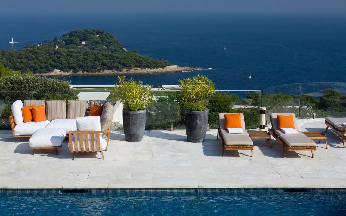 Загородная вилла класса люкс на Средиземном море