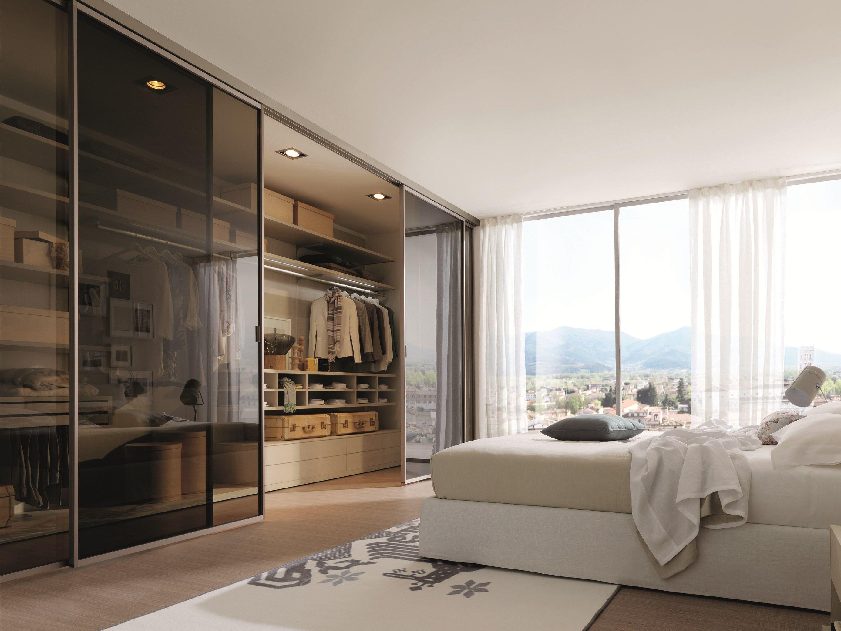 Интерьер спальни с гардеробной фото