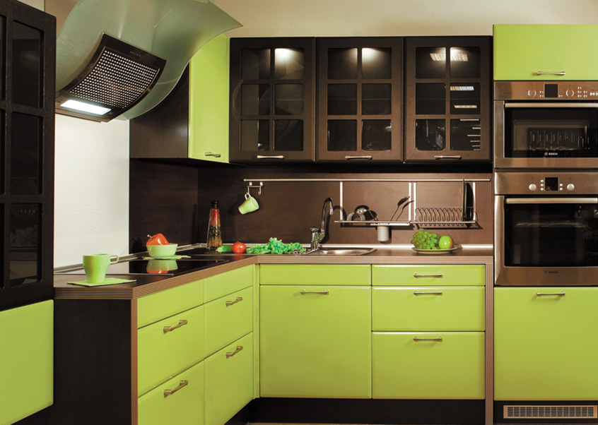 Варианты зеленых кухонь