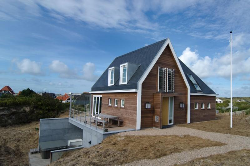 Архитектура Голландии: небольшой загородный дом на Северном море