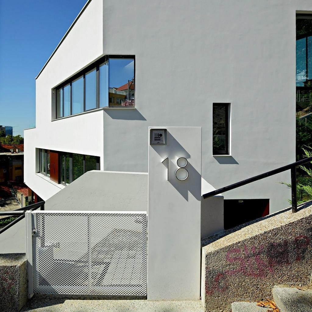 Проект дуплекса на две семьи: просторный особняк в Хорватии