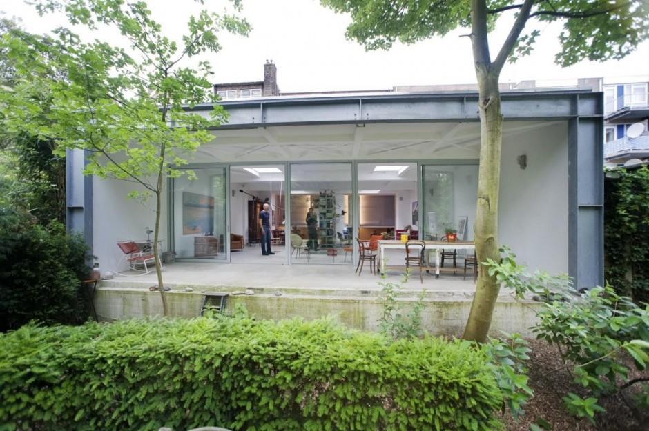 Интересные проекты домов: необычный коттедж Parksite с ярким интерьером