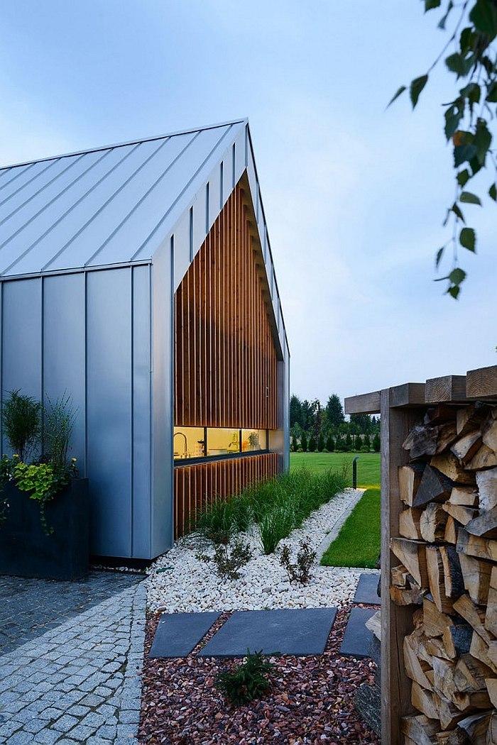 Оригинальный загородный дом с концептуальной архитектурой
