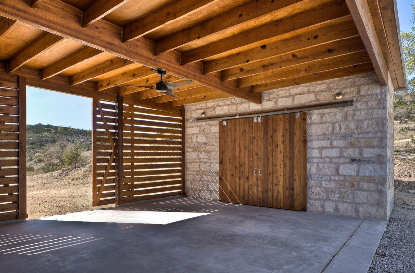 Загородный дом в стиле кантри среди техасской прерии