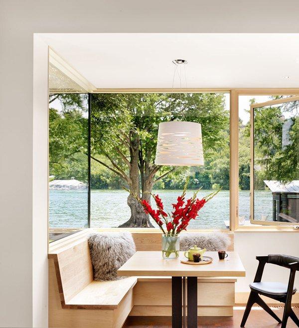 Видовая столовая роскошного дома мечты