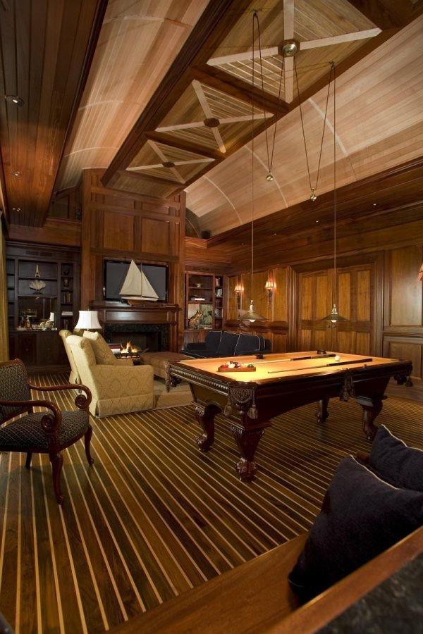Биллиардная роскошного дома мечты