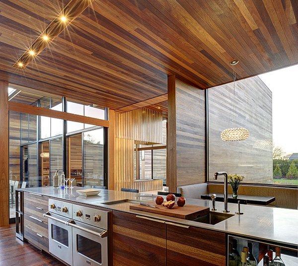 Интерьер кухни роскошного дома мечты