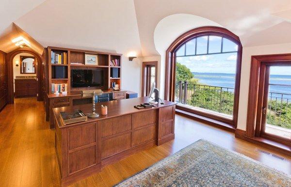Интерьер кабинета роскошного дома мечты