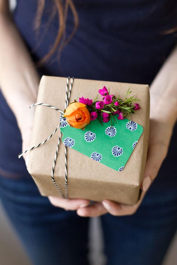 Необычный актуальный подарок