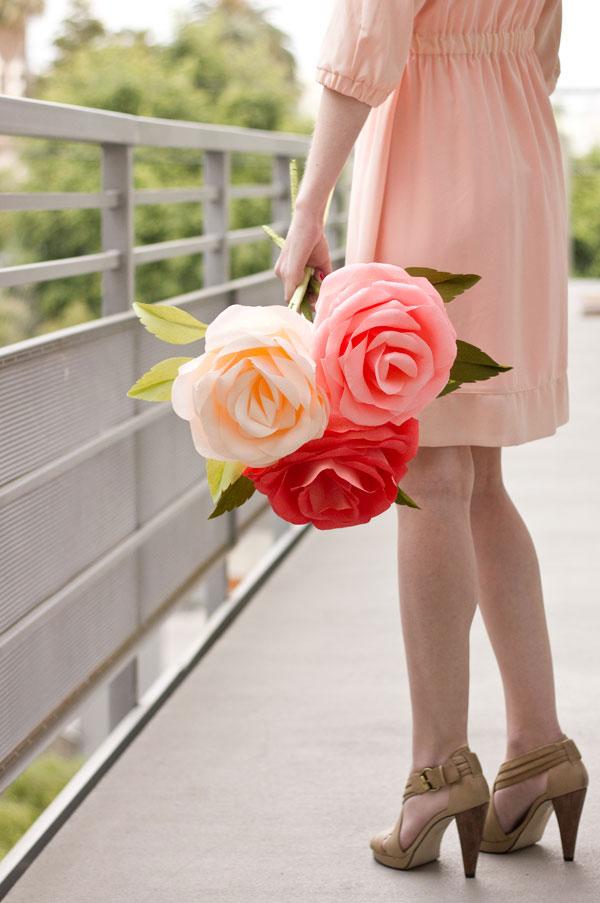Большая роза из бумаги своими руками