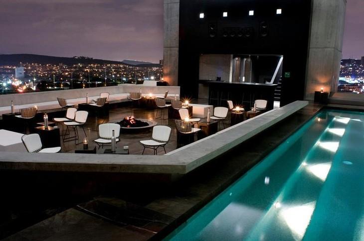 Ресторан на крыше отеля Hotel Habita MTY в Мексике