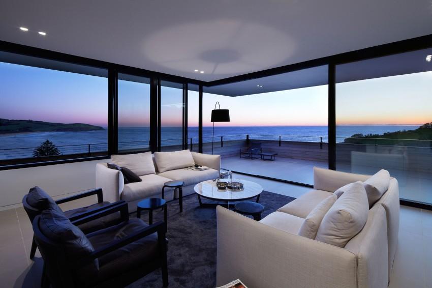 Гостиная загородного дома на побережье Нового Южного Уэльса