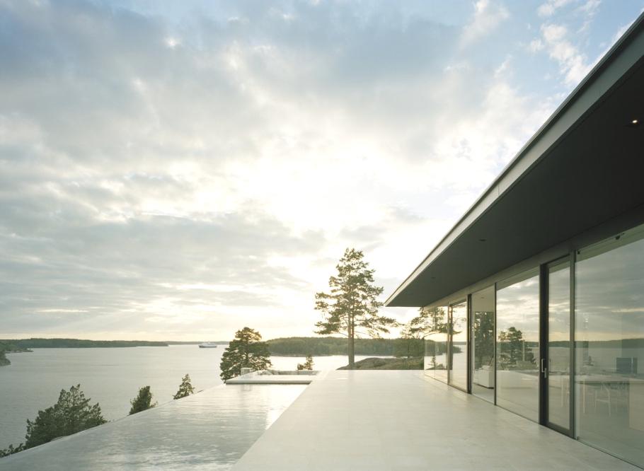 Домик в скандинавском стиле: летний дом Överby House в Швеции