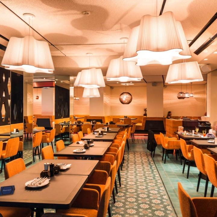 Дизайн интерьера кафе The Room