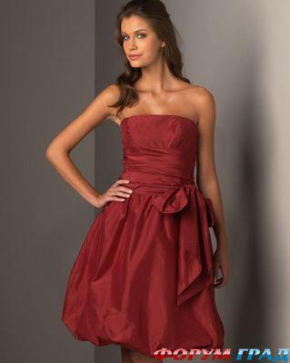 Стиль свадебного платья свидетельницы должен сочетаться со стилем платья...
