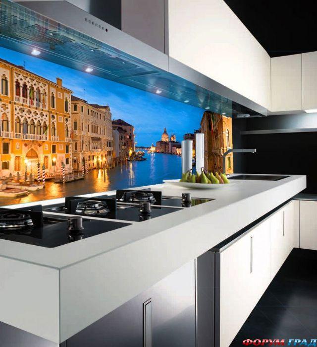 Из стекла или кухнями своей мечты