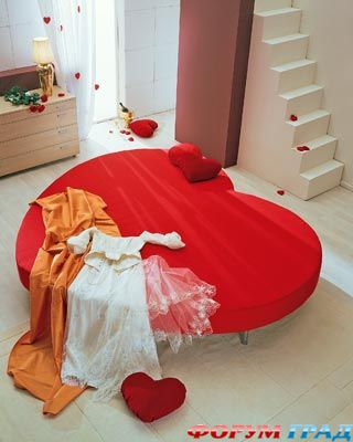 Купить круглый диван кровать можно.