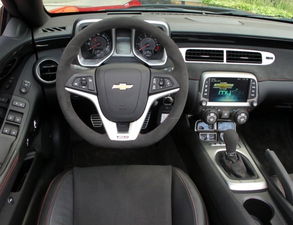 Chevrolet Camaro ZL1 2013