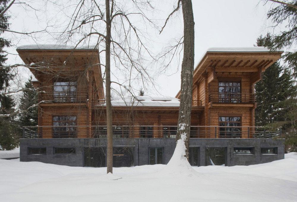 Дизайн особняков: роскошный подмосковный терем из натурального дерева