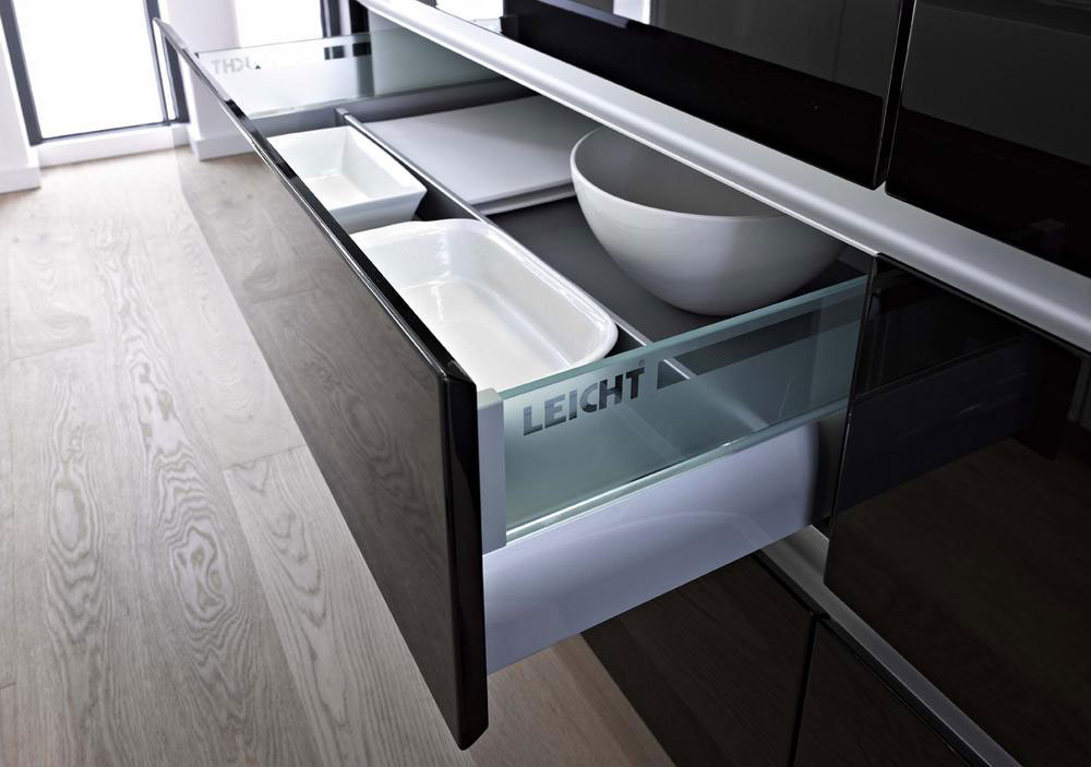Дизайн интерьера дома в современном стиле: строгая элегантность в Unterkochen