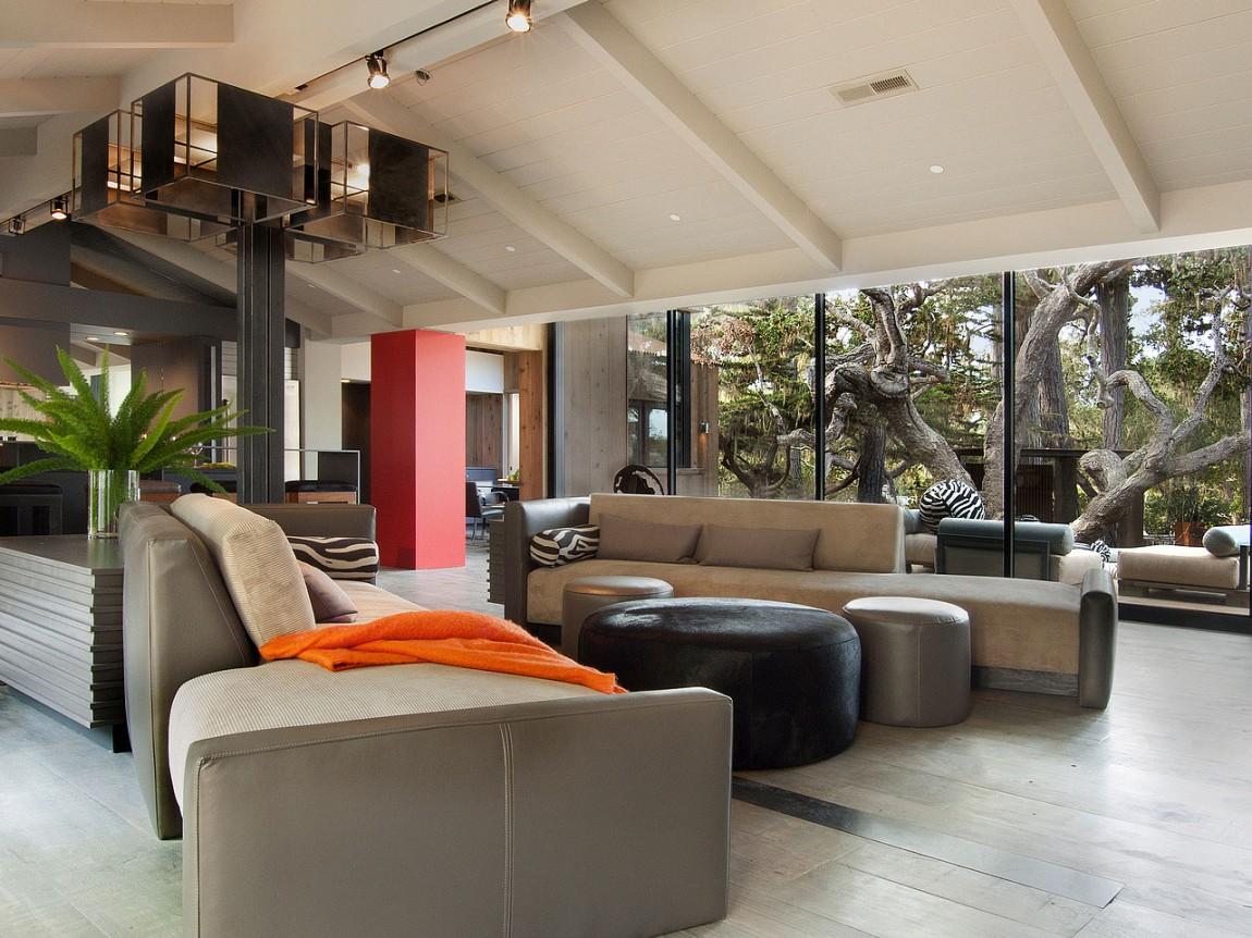 Необычные проекты одноэтажных домов: калифорнийский Pebble Beach с деревьями в патио