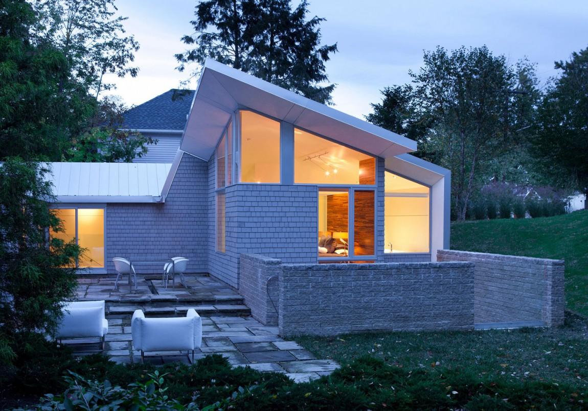 ваш фото небольшой дом с красивой крышей первой