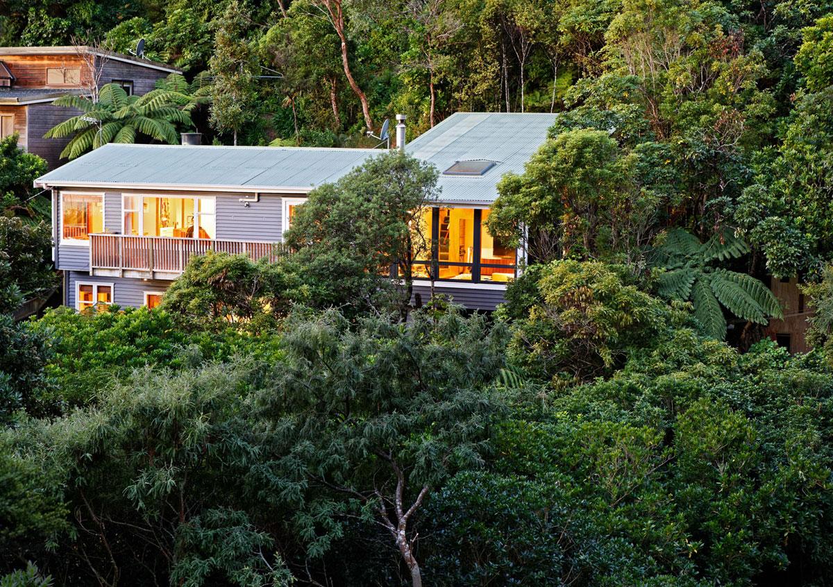 Коттедж: рисунок и дизайн лесного дома от Paul Rolfe Architects