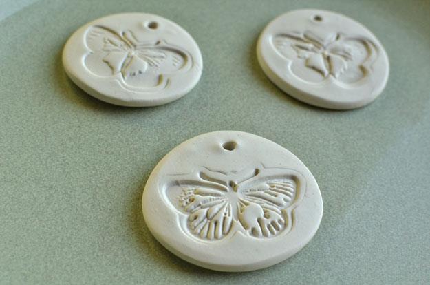 Свадебные медальоны из антикварной глины - Уроки изготовления подарков для гостей, от бонбоньерок до сувениров - Форум-Град