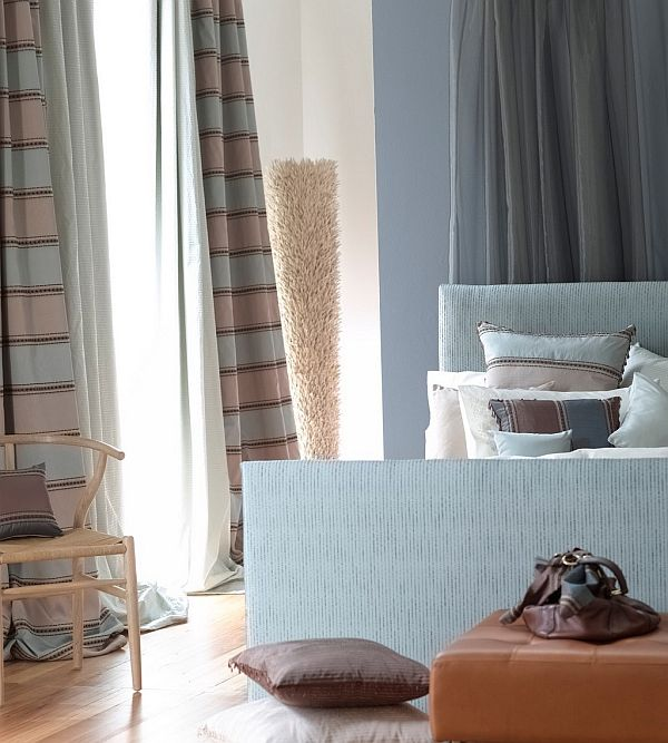 Дизайнерский стул в спальне
