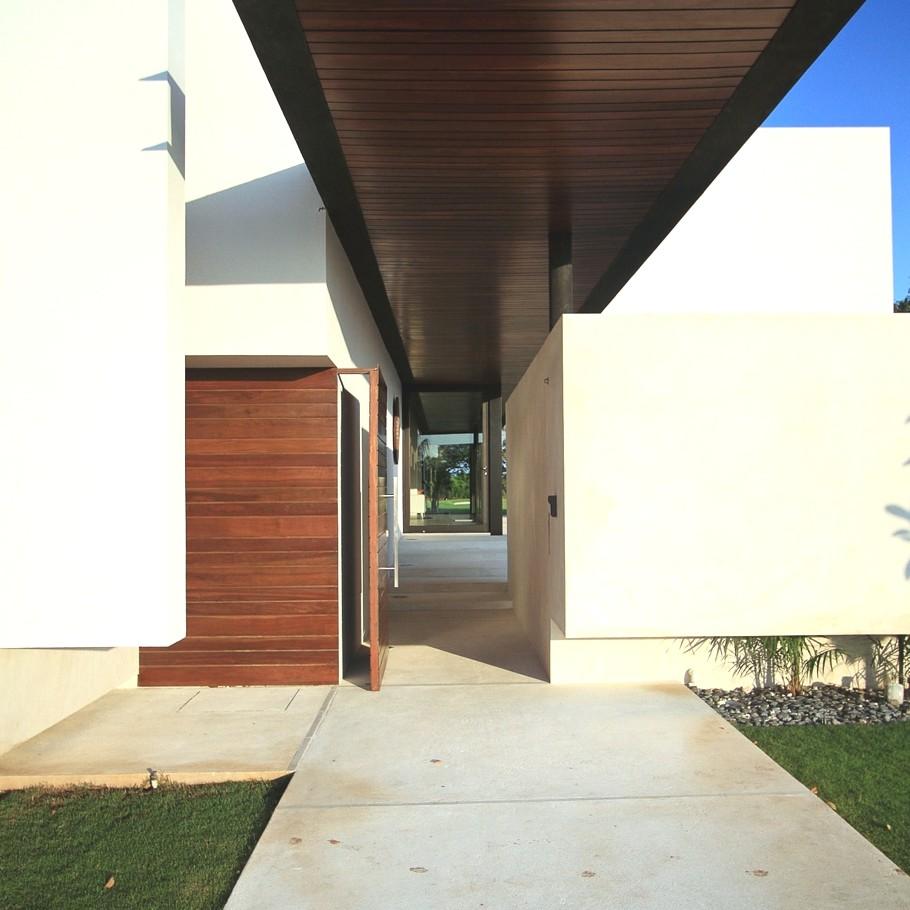 Дом MCC House