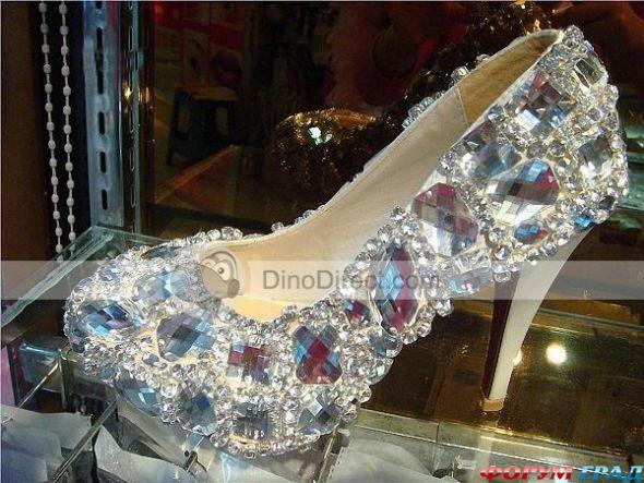 Туфли с камнями
